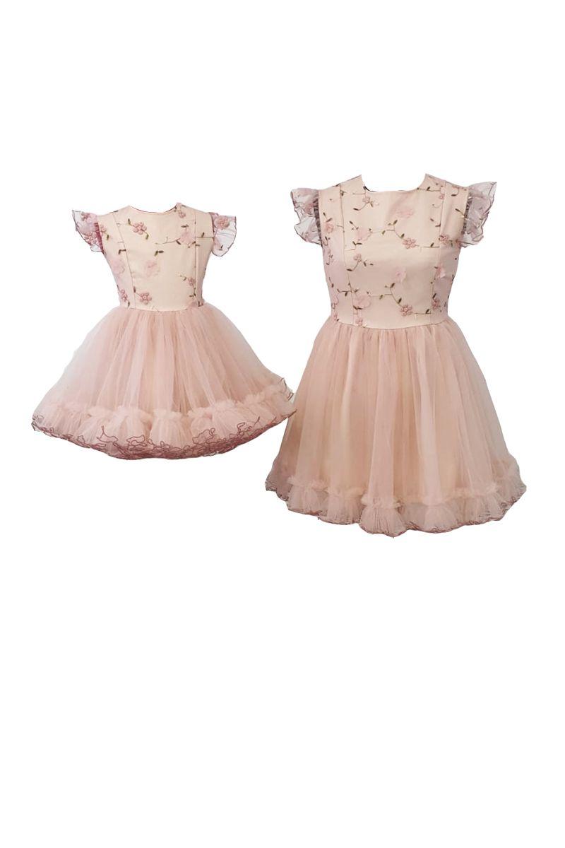 Set rochii pentru mama si fiica, Atelierul cu Minunatii, Broderie pe tull Roz/ Tulle roz , marime L